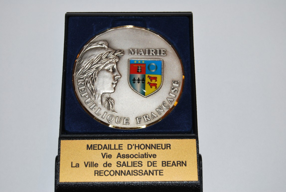 photo-medaille-le-06-octobre-2012-a-salies-de-bearn-64-medium